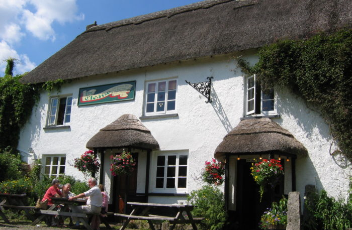 Cleave Hotel, Lustleigh