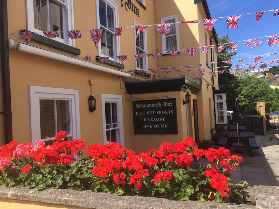 Teignmouth Inn - flowers